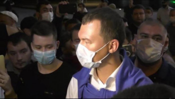 Врио главы Хабаровского края впервые вышел к протестующим