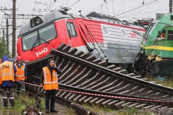 В Санкт-Петербурге столкнулись два грузовых поезда (ВИДЕО)