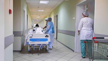 Часть больниц Екатеринбурга выведут изрежима коронавирусных госпиталей