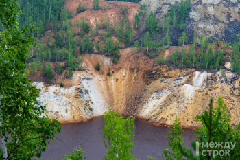 Росприроднадзор обнаружил загрязнение реки Тагил из-за сбросов кислотного рудника в Лёвихе