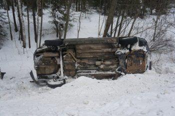 В столкновении двух Hyundai Solaris на Южном подъезде к Нижнему Тагилу пострадала беременная