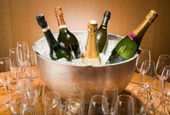 Франция снимет санкции, если Россия откажется от терминов «шампанское» и «коньяк»