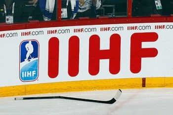 Российских хоккеистов оштрафовали за уход с площадки под гимн Канады