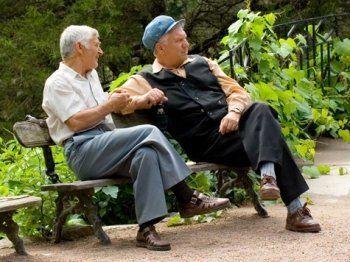 Свердловское правительство отправит пенсионеров в социальные туры