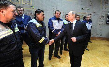 Путин приехал в Крым и включил электричество. «Первый день, когда свет не отключали»