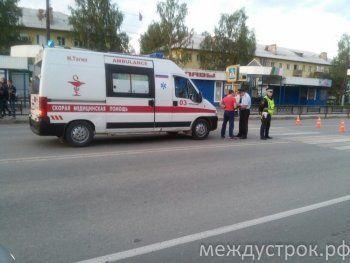 В Нижнем Тагиле на пешеходном переходе сбили женщину с ребёнком (ВИДЕО)