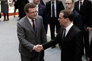 Дмитрий Медведев остался доволен локомобилем УВЗ