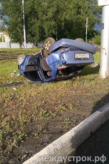 Вчера в Нижнем Тагиле перевернулась машина