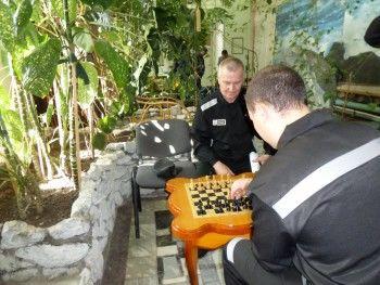 Тагильские «зэки» смогут провести отпуск в «номерах» с диванами, цифровым ТВ и зимним садом
