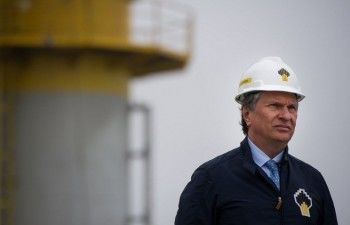 «Сечин врёт». Президента «Роснефти» продолжают обвинять в обвале курса рубля