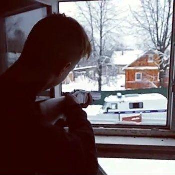 В Псковской области подростки расстреляли полицейскую машину, после чего покончили с собой (ВИДЕО)