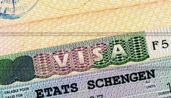 Евросоюз не станет отбирать шенген у посетивших Крым россиян