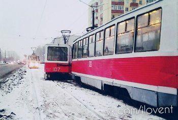 В Нижнем Тагиле трамвай сошёл с рельсов