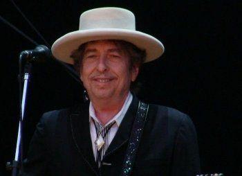 Нобелевскую премию по литературе получил легендарный Боб Дилан