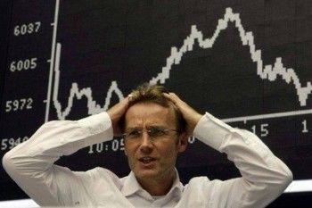 Фондовый и валютный рынки открылись падением