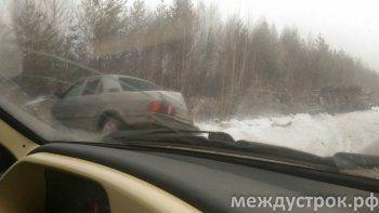 Движение на трассе Екатеринбург – Нижний Тагил парализовано из-за массовых ДТП (ФОТО)