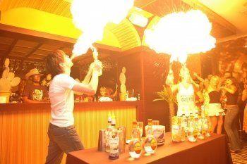 В ночном клубе Нижнего Тагила бармен поджёг редактора «Тагильского рабочего» (ВИДЕО)