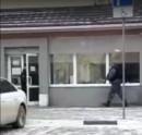 Тагильчане сняли на видео, как в администрацию Нижнего Тагила врывается спецназ с автоматами наперевес