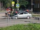 В Нижнем Тагиле Nissan протаранил ВАЗ (ВИДЕО)