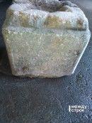 В Нижнем Тагиле на дне Выйского пруда найден могильный камень XIX века с высеченной молитвой на старославянском языке