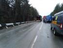 Под Екатеринбургом пассажирский автобус врезался в фуру: есть пострадавшие